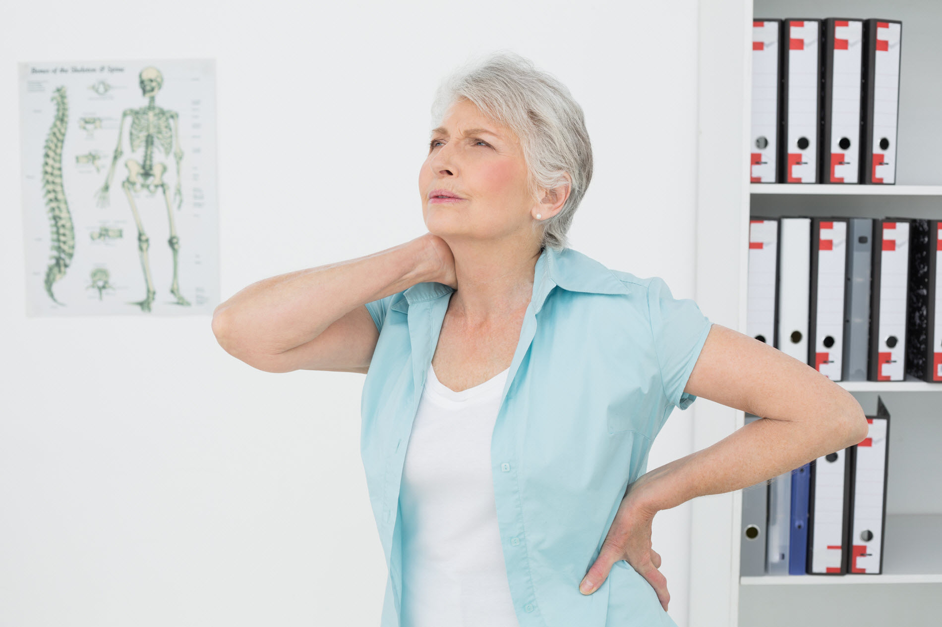 copy-of-pain-in-neck-and-back-lady-needs-chiropractor